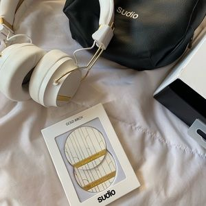 Sudio wireless headphones and travel bag